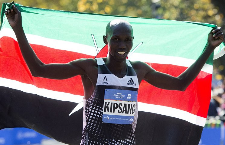 Кении Уилсон Кипсанг и Сара Чепчирчир  - победили на марафоне в Токио