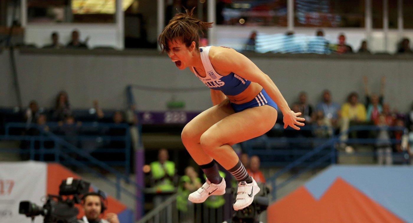 Гречанка  Екатерини Стефаниди победила в прыжках с шестом на зимнем ЧЕ в Белграде