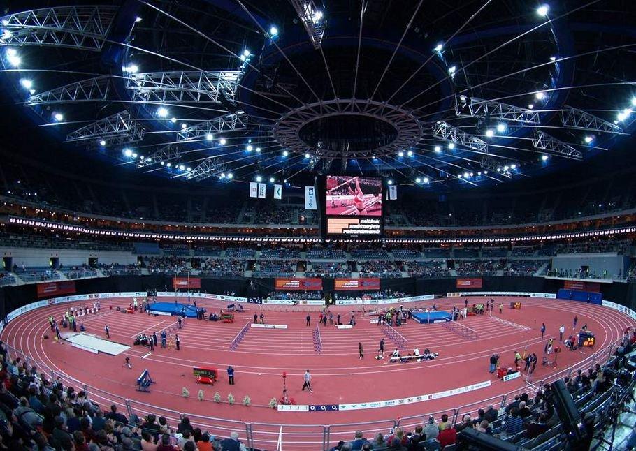 На чемпионате США по легкой атлетике в помещении установлены два высших мировых достижения в неклассических дисциплинах