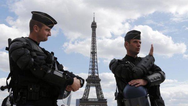 Французская полиция ведет расследование по пяти чемпионатам мира