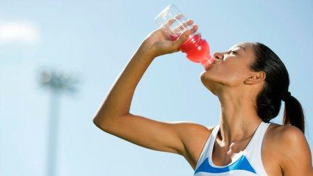Белково – углеводные напитки (гейнеры). В чем польза для бегунов?