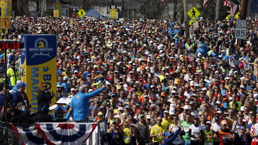 Adidas извинились за «поздравление» участников Бостонского марафона