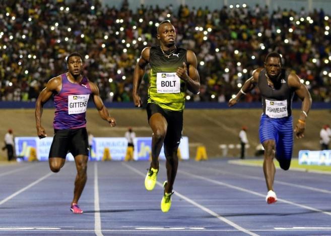 Усэйн Болт победил в последнем в карьере забеге на Ямайке