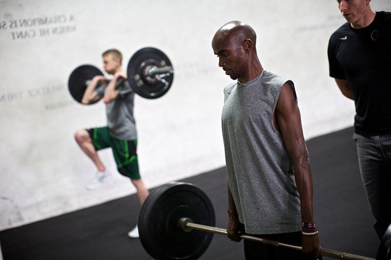 7 упражнений для укрепления мышц кора от рекордсмена в беге на 5000 и 10000м